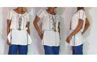 VINTAGE INDIAN GAUZE EMBROIDERED HIPPIE BLOUSE TOP Image