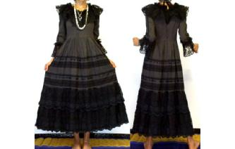 VINTAGE VICTORIAN BLACK LACE GOTH PRAIRIE DRESS Image